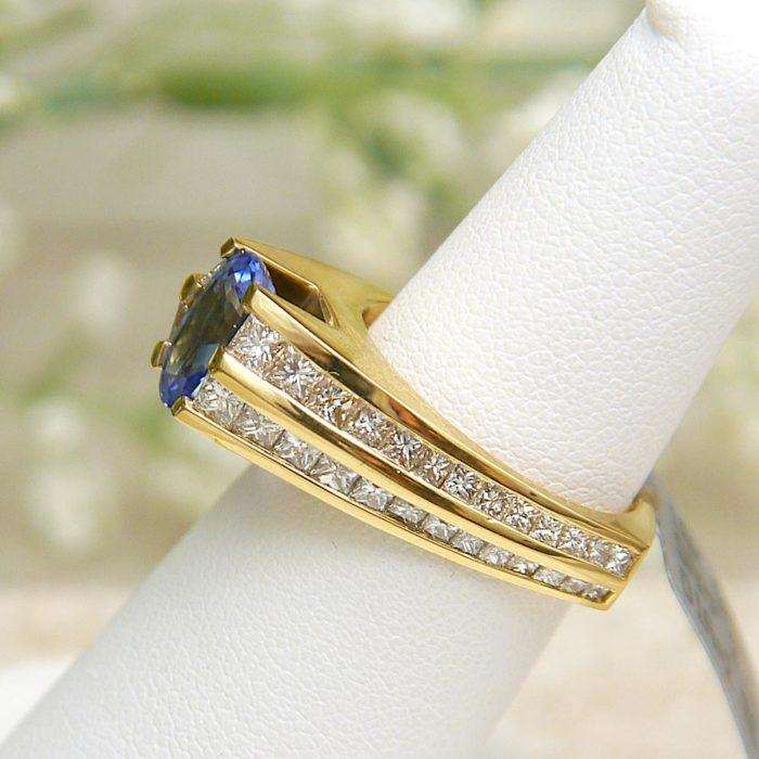 18k Gauthier Oval Sapphire & Diamond Ring